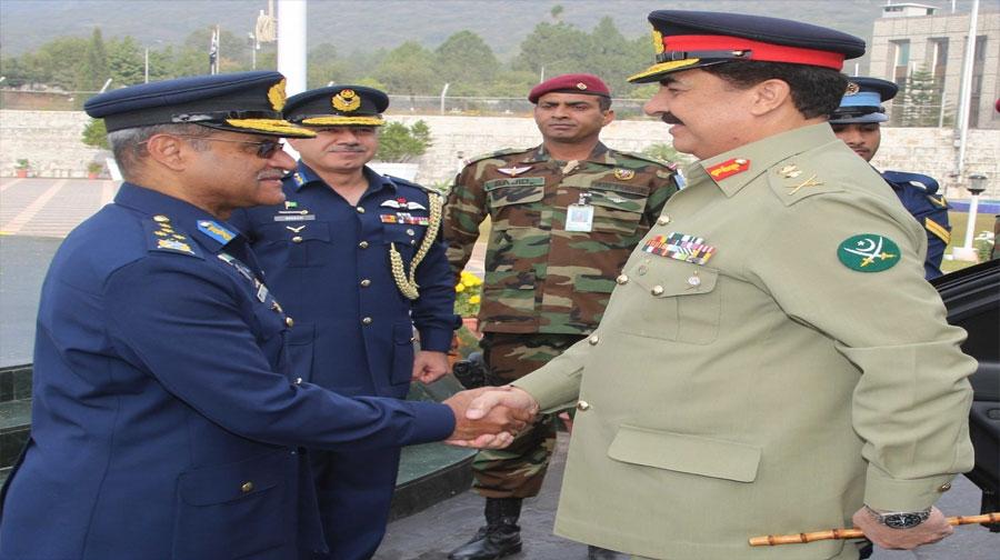 Photo of آرمی چیف جنرل راحیل شریف کا ایئر ہیڈکوارٹرز کا الوداعی دورہ