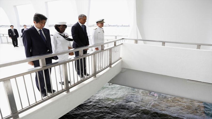 Photo of ہوائی: امریکی صدر باراک اوباما اور جاپانی وزیر اعظم کا پرل ہاربر کا دورہ