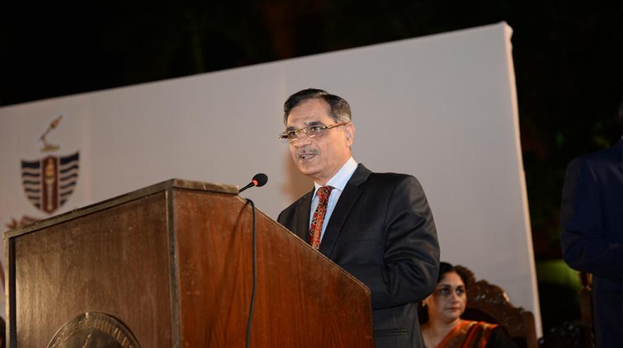Photo of ثاقب نثار نے چیف جسٹس آف پاکستان کا حلف اٹھا لیا