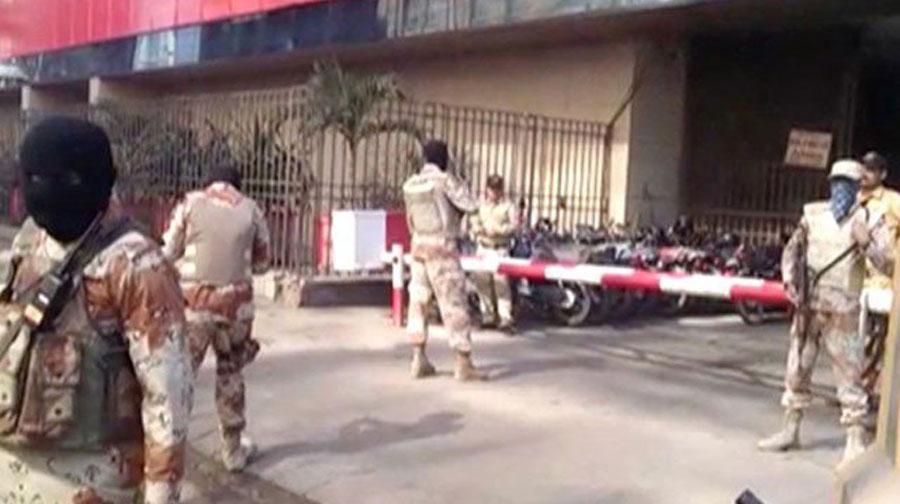 Photo of کراچی میں رینجرزکے آصف زرداری کے قریبی دوست کے دفاتر پر چھاپے