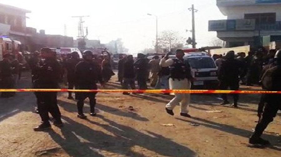 Photo of رحیم یار خان میں مسجد کے قریب خود کش حملہ، 2 پولیس اہلکار زخمی