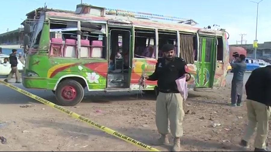 Photo of پشاور : دو بم دھماکوں میں ڈی ایس پی اور پولیس اہلکار بال بال بچے