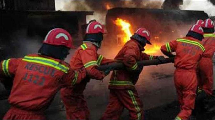 Photo of کپڑے کےگودام میں لگی آگ پر14گھنٹےبعدقابوپالیاگیا