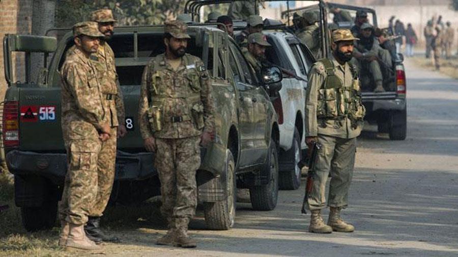 Photo of ڈی آئی خان میں سیکیورٹی فورسز سے جھڑپ میں 3 مطلوب دہشتگرد ہلاک