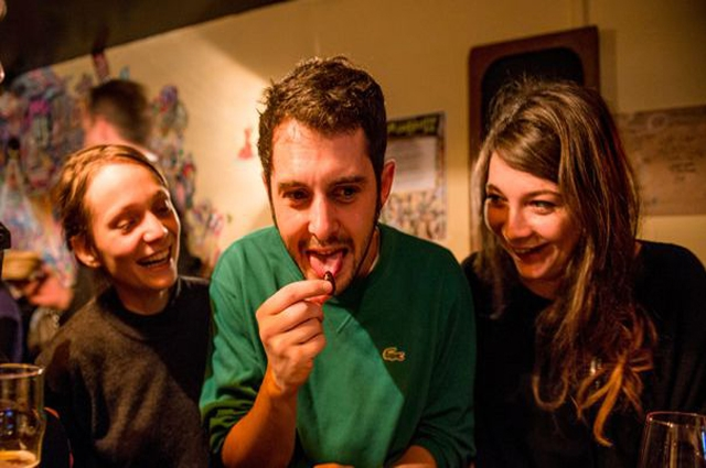 Photo of دنیا میں کھائے جانے والے وہ کھانے جن کے بارے میں جان کر آپ قے آجائے گی