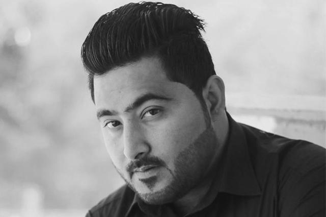 """Photo of """"آﺅ مشال کو ہر جگہ ڈھونڈتے ہیں، جہاں ملا قتل کر دیں گے""""، مشال خان کے قاتلوں کی مزید 3 ویڈیو سامنے آگئیں"""