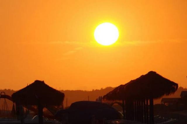 Photo of شہر قائد میں سمندر کی سمت سے چلنے والی ہوائیں رک گئیں، گرمی کی شدت میں مزید اضافہ