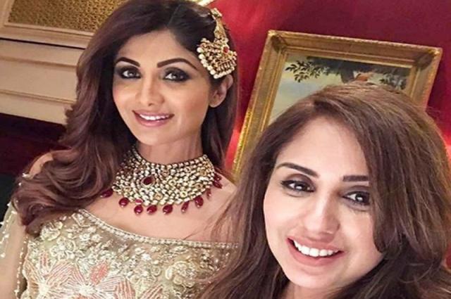 Photo of بھارتی اداکارہ شلپا شیٹھی پاکستانی شہری کیلئے لندن پہنچ گئیں