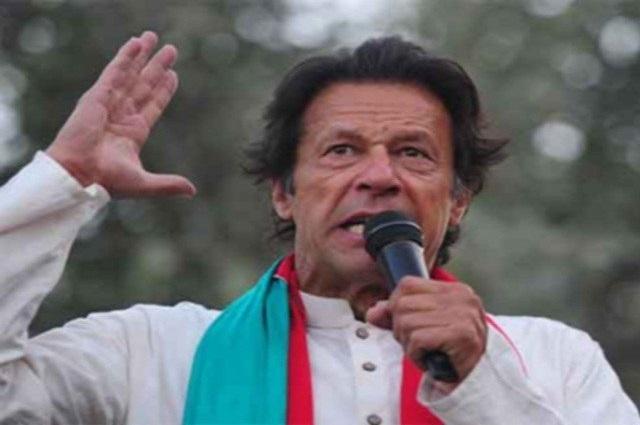 Photo of شریف برادران بظاہر بھولے لگتے ہیں لیکن وہ  فاشسٹ ہیں، عمران خان