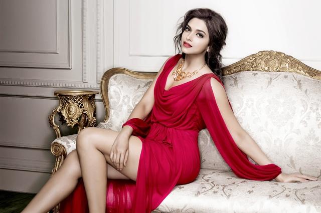 """Photo of """"یہ لباس میں نے آپ کیلئے نہیں بلکہ اپنے لیے پہنا ہے""""، بھارتی اداکارہ دیپیکا نے صحافی کو کھری کھری سنا دیں"""