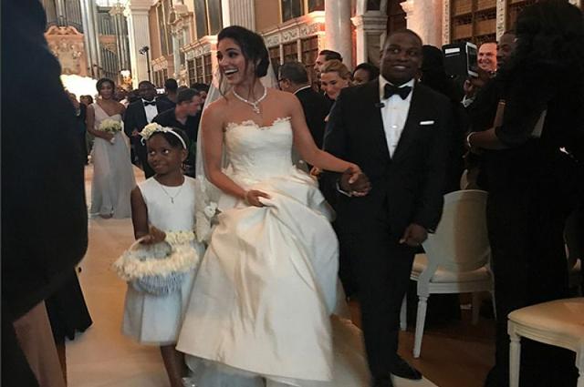 Photo of دنیا کی تاریخ کی مہنگی ترین شادی، شاہ خرچی کے تمام ریکارڈ ٹوٹ گئے، لیکن دولہا دلہن کون تھے؟ جان کر آپ بھی دنگ رہ جائیں گے