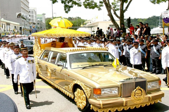 Photo of مسلم دنیا کا وہ حکمران جس کی اس ایک گاڑی کی قیمت ایک ارب 40 کروڑ روپے ہے