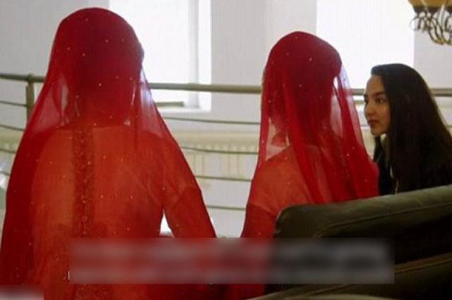Photo of پاکستانی لڑکیوں کی اس ایک عادت کی وجہ سے ہمارے معاشرے میں بہت بڑا مسئلہ پیدا ہوگیا ہے