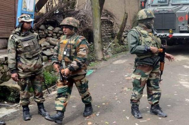 Photo of مقبوضہ کشمیر میں بھارتی فوجی قافلے پر حملہ, کیپٹن سمیت تین اہلکار زخمی