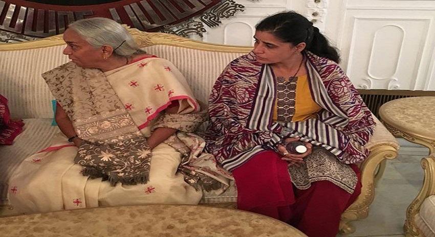 Photo of کلبھوشن کے اہلخانہ کی بھارتی وزیرخارجہ سشما سوراج سے ملاقات