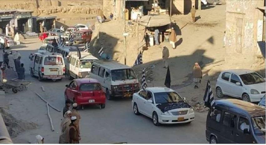 Photo of فاٹا انضمام کے خلاف قبائلیوں کے 3 قافلے اسلام آباد روانہ