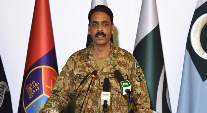 Photo of سب کچھ کرسکتے ہیں لیکن جنگ کی طرف نہیں جانا چاہتے، میجر جنرل آصف غفور