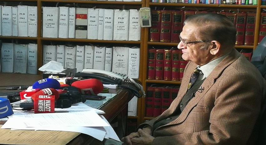 Photo of حافظ سعید کو گرفتار کیا گیا تو قانونی جنگ لڑینگے، اے کے ڈوگر ایڈووکیٹ