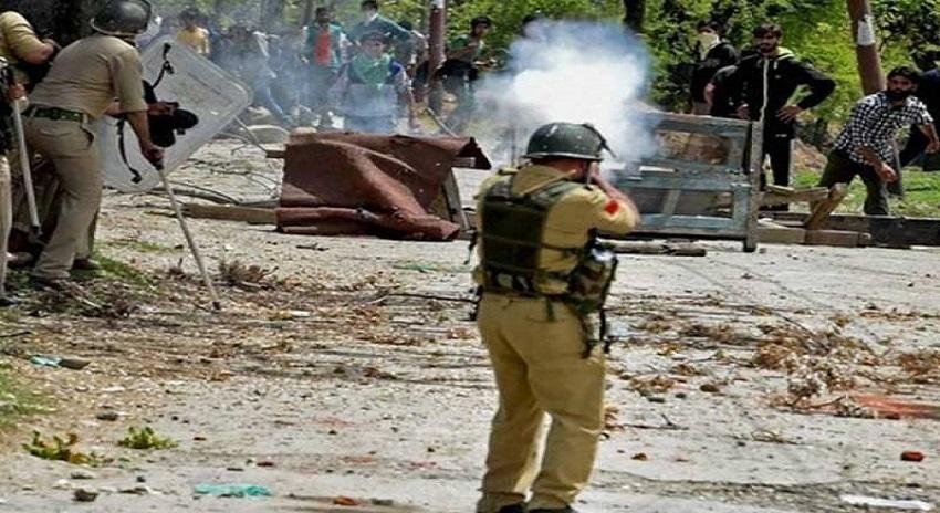 Photo of مقبوضہ کشمیر میں بھارت کی درندگی، 12 نوجوانوں کو شہید کردیا