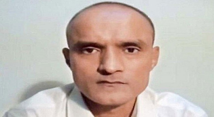 Photo of بھارتی سفارتکار نے میری والدہ سے بدتمیزی کی اورانہیں دھمکاتا رہا، کلبھوشن یادیو
