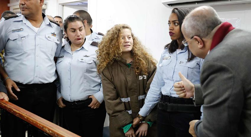 Photo of قابض اسرائیلی فوجیوں کو تھپڑ مارنے والی بہادر فلسطینی لڑکی پر فرد جرم عائد