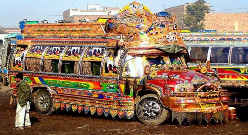 Photo of تبدیلی آ رہی ہے، خیبر پختونخوا حکومت پشاور کی بسیں خرید کر ڈرائیوروں کو بیروزگاری الاونس دے گی