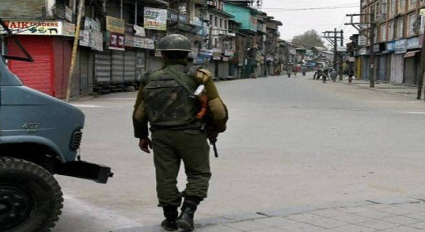 Photo of بھارت کا مقبوضہ کشمیر میں مزید 40 ہزار فوجی تعینات کرنے کا فیصلہ
