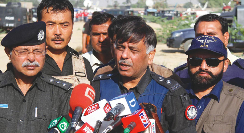 Photo of نقیب قتل کیس، راؤ انوار کی گرفتاری کیلئے پولیس کی نئی حکمت عملی تیار