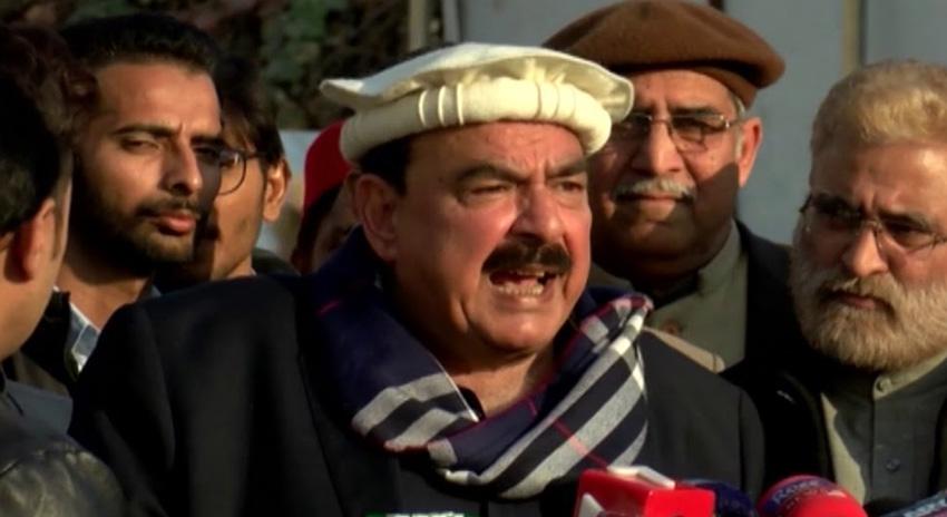 Photo of وفاقی اور پنجاب حکومت نے چیئرمین نیب کو خریدنے کی کوشش کی: شیخ رشید احمد