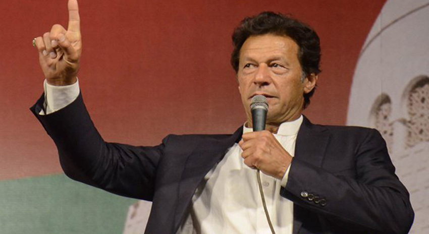 Photo of ہاں لاڈلا ہوں لیکن اپنی اماں کا، خون کے آخری قطرے تک مافیا سے لڑتا رہوں گا، عمران خان