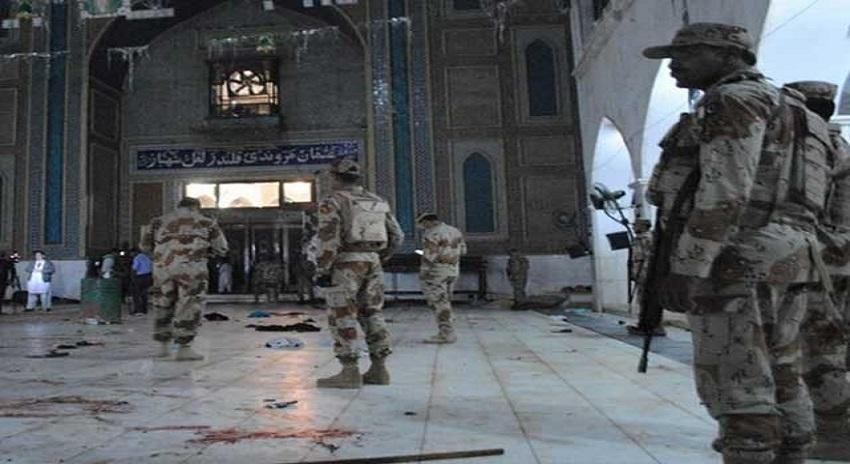Photo of سندھ حکومت کا سیہون بم دھماکا کیس فوجی عدالت میں چلانے کا فیصلہ