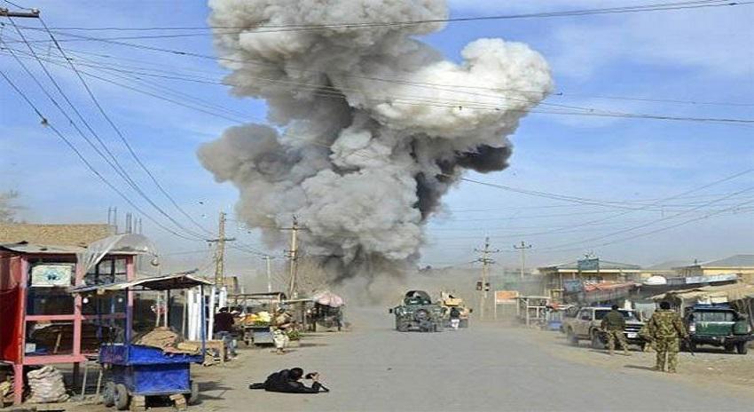 Photo of فضائیہ کی اپنے ہی ملک میں مدرسہ پہ بمباری، طالبعلموں سمیت درجنوں افراد ہلاک