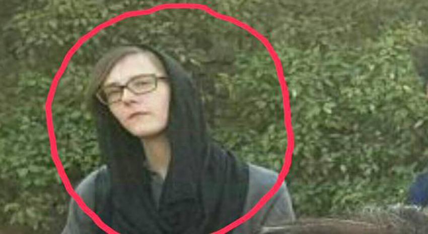Photo of پشتون تحفظ موومنٹ کے جلسے میں موجود اس خاتون کو امریکی ایجنٹ کہا جا رہا ہے لیکن یہ کس کی بیوی نکلی؟ جان کر آپ کو اپنی آنکھوں پر یقین نہیں آئے گا