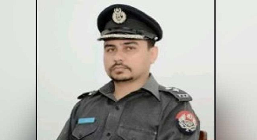 Photo of اپنی ہی بیوی کی ننگی تصاویر اپ لوڈ کرنے والا پنجاب پولیس کا ایس پی اشتہاری قرار
