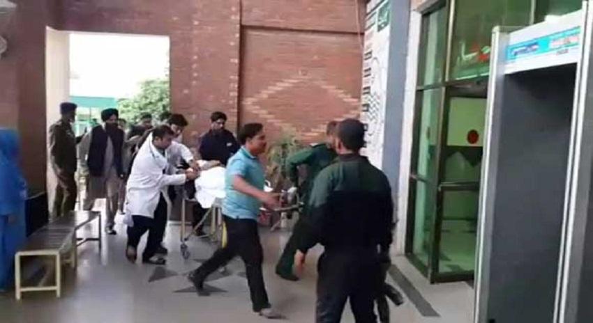 Photo of وزیر داخلہ احسن اقبال قاتلانہ حملے میں زخمی، حملہ آور گرفتار