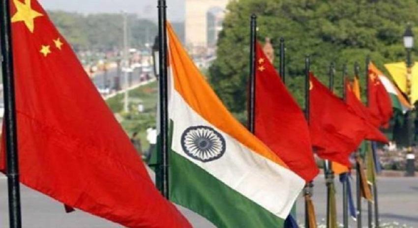 Photo of چین نے بڑی بڑی کرینیں بھارت کی سرحد پر پہنچادیں، یہاں زمین سے کیا چیز نکال رہا ہے؟ ایسا انکشاف کہ پورے بھارت کے ہوش اُڑگئے