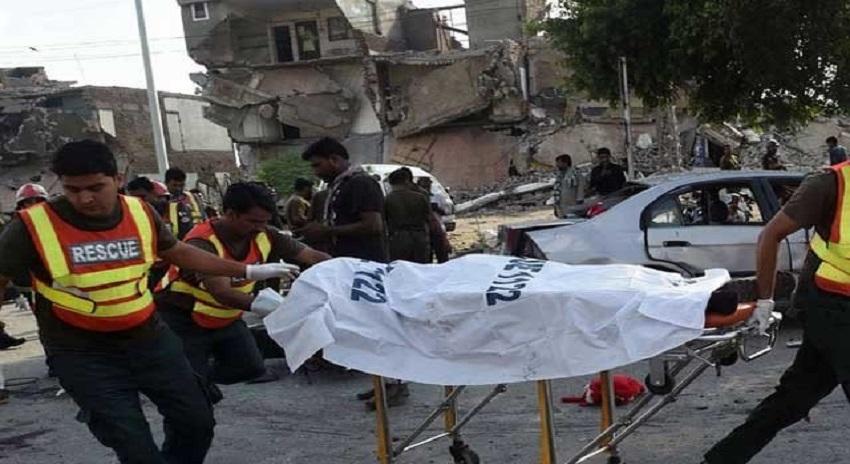 Photo of بنوں میں دہشتگردوں کا بم حملہ، 4 اہلکاروں سمیت متعدد افراد۔۔۔۔