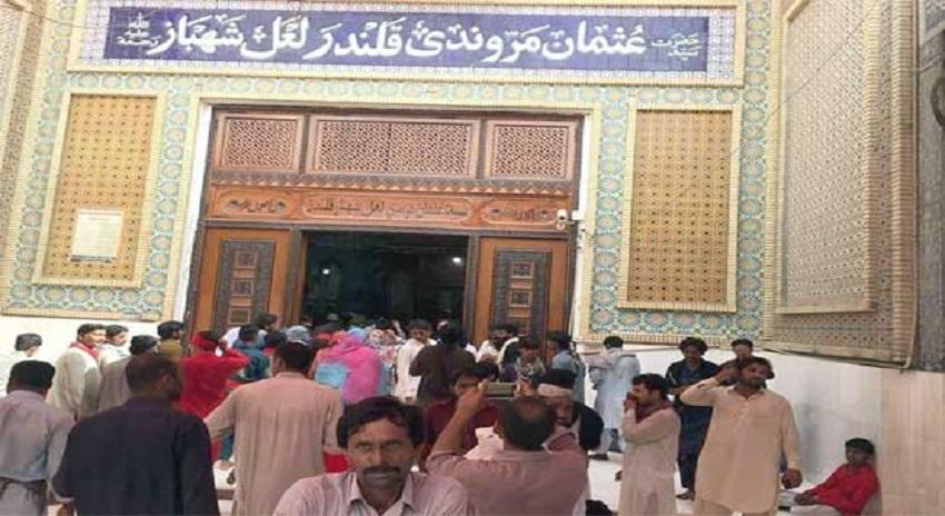 Photo of سیہون شریف، شدید گرمی سے مزید 4 زائرین جاں بحق