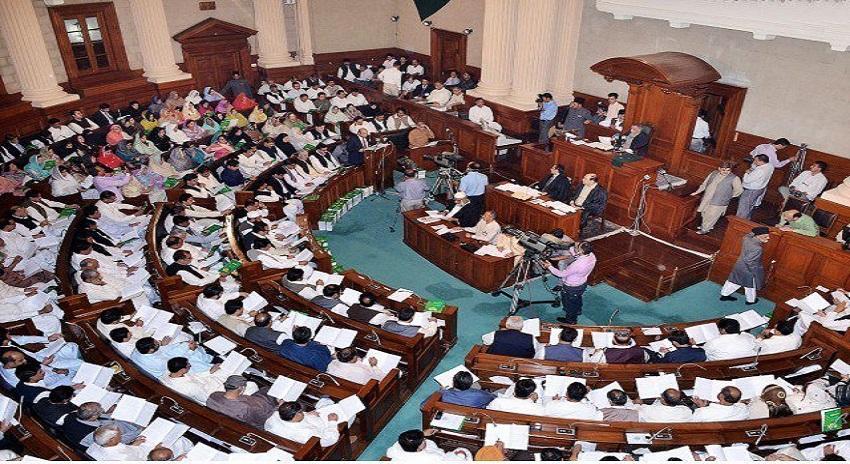 Photo of نوازشریف کلبھوشن اور کشمیر پہ خاموش اور ریاست کے خلاف زہر اگل رہے ہیں، پنجاب اسمبلی میں قرارداد