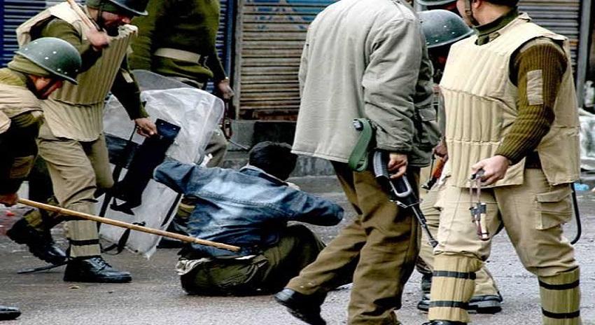Photo of بھارتی فوج کے ہاتھوں مزید تین کشمیری شہید، 24 گھنٹے میں شہدا کی تعداد 6 ہوگئی