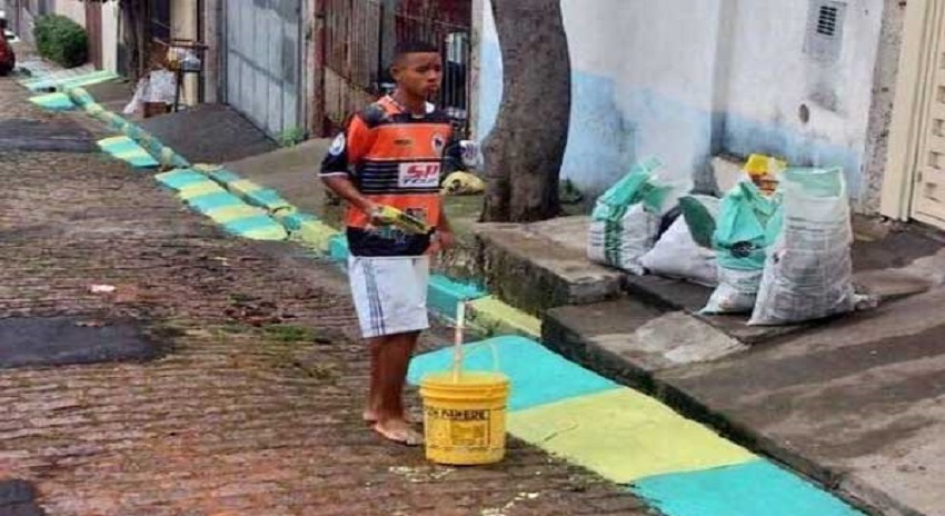 Photo of سڑکیں رنگنے والا لڑکا عالمی فٹبالر بن گیا، شائقین کی توجہ کا مرکز