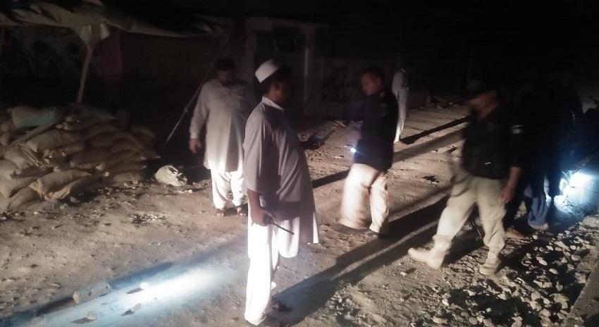 Photo of ڈی آئی خان، دہشتگردوں کا پولیس پہ دستی بم حملہ، 2 اہلکار زخمی