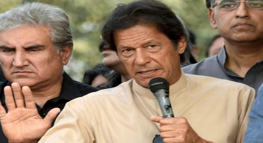 Photo of انتخابی ٹکٹوں کی تقسیم، عمران خان اپنے فیصلے پہ ڈٹ گئے