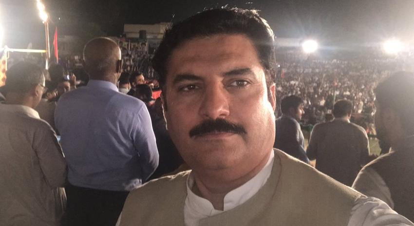 Photo of ڈی آئی خان، فیصل کریم کنڈی پی ٹی آئی امیدوار کی حمایت میں دستبردار