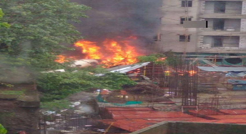 Photo of ممبئی میں طیارہ گر کر تباہ، ایک شخص کی ہلاکت کی اطلاعات