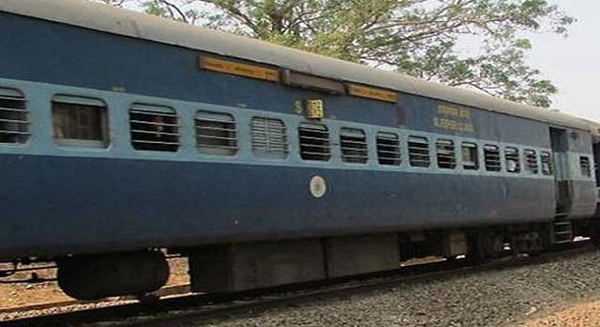 Photo of ٹرین سے جوانسال خاتون کی سر کٹی لاش برآمد، علاقے میں خوف و ہراس