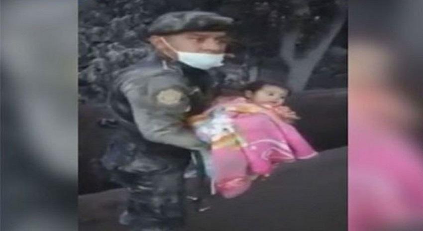 Photo of آتش فشاں پھٹنے کے 3 دن بعد راکھ میں دبی بچی کو زندہ نکال لیا گیا, زندہ کیسے رہی جان کر آپ بے اختیار۔۔۔