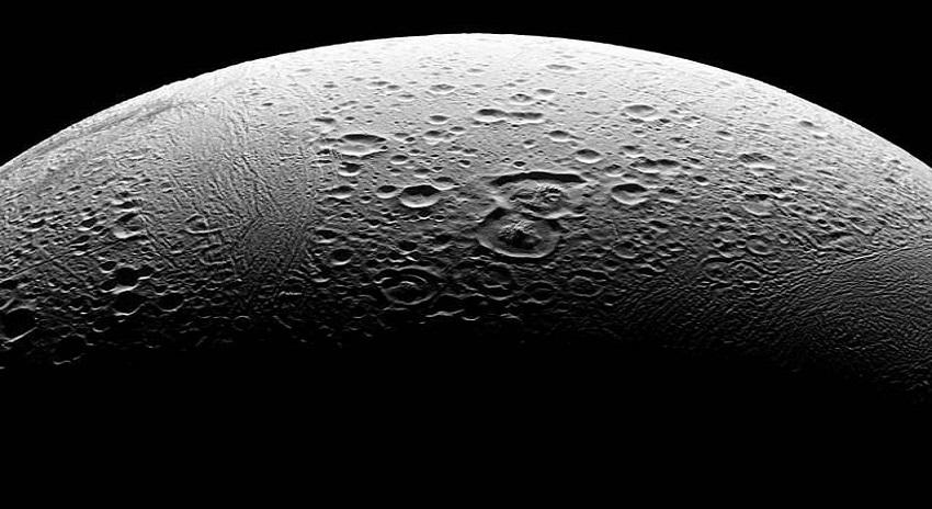 Photo of زحل کے چاند پر حیاتیاتی سالمہ دریافت کرنے والی ٹیم میں پاکستانی ماہر بھی شامل