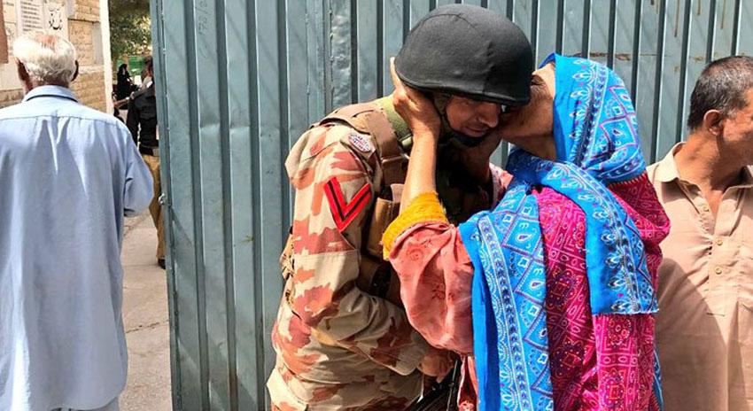 Photo of فوجی جوانوں کو محبت دینے پر عوام کا شکریہ: ڈی جی آئی ایس پی آر