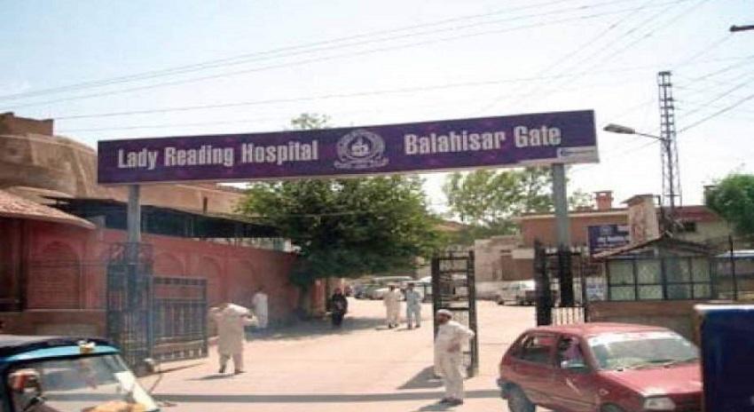 Photo of پشاور دھماکہ، ایل آر ایچ انتظامیہ نے شہداء کی فہرست جاری کردی جبکہ 54 زخمیوں کو فارغ کردیا